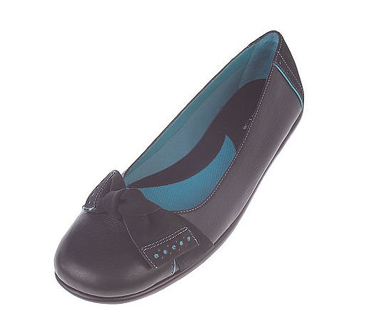 Aerosoles LEATHER Ballerina Shoes with Nubuck Bow