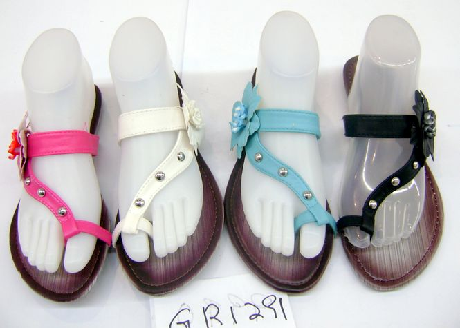 e4392e5bf Wholesale Women s Sandals with Flower - 48 Pairs